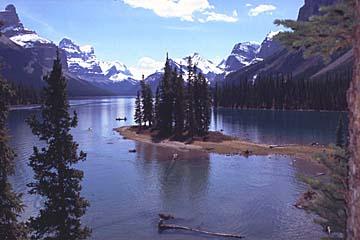 Spirit Island im Maligne Lake ist eines der meistfotografierten Motive in Kanada