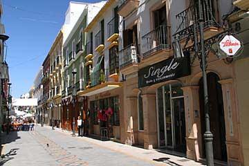 Eine Straße in der Innenstadt von Ronda