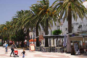 Restaurants auf der Plaza de Almada in Tarifa