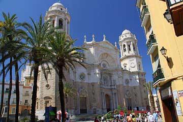 Die Kathedrale von Cadiz an der Costa de la Luz