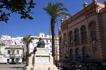 Das Gran Teatro Falla am gleichnamigen Platz in Cádiz