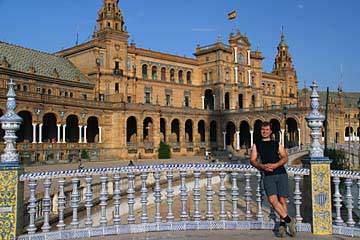 Eine Brücke im Plaza von Plaza de España von Sevilla