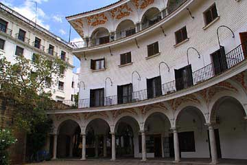 Der Platz Plaza de Cabildo in Sevilla
