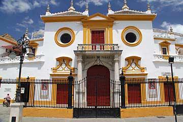 Der Eingang der Stierkampfarena von Sevilla