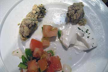 Das oben sind gebratene Seeanemonen in einem Restaurant in Sevilla