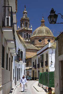 Die Kirche Santa Maria in Écija im Süden von Spanien