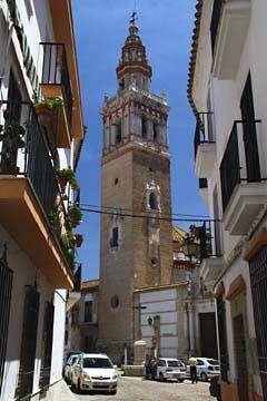 Die Kirche Santiago in Écija im Norden von Andalusien