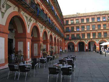 Der riesige Plaza Corredera in Cordoba