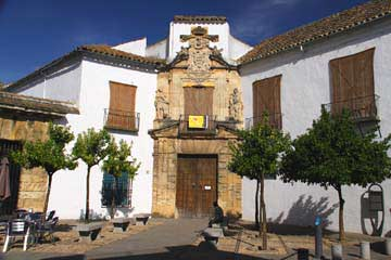 Die Fassade des Palacio de Viana in Cordóba