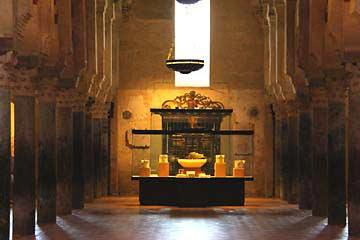 Eine Vitrine in der Mezquita von Cordoba