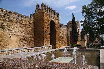 Das Stadttor Murallas de la Puerta de Almodóvar in Cordoba