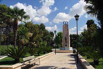Das Denkmal am Parque de la Cava in Úbeda
