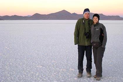 Wir frieren vor Sonnenaufgang auf der Solar de Uyuni
