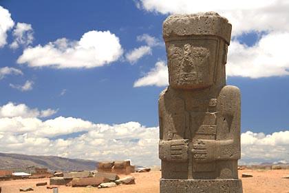 Die Stele des Mönches el Fraile in Tiwanaku, Bolivien
