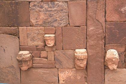 Fresken im versunkenen Hof von Tiwanaku