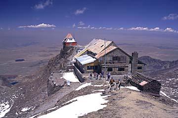 die Skihütte Chacaltaya auf 5.300m Höhe, Bolivien