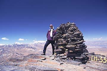 Ziel der Bemühungen ist der kleine Gipfel auf 5.550m Höhe, Bolivien