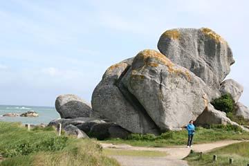 große Felsbrocken am Pointe de Puntusval bei Brignogan-Plages