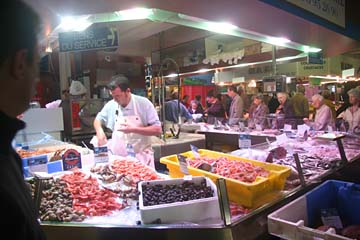 """""""Fische"""" in der Markthalle St-Francois in Quimper"""