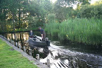 Torfstecher kehren von ihrer Arbeit zurück, Ile de Fedrun, Regionalpark de Briere