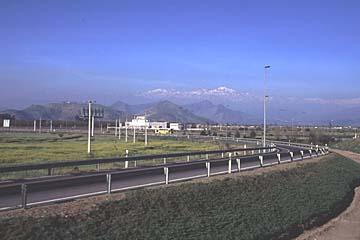 auf der Fahrt zum Flughafen von Santiago de Chile