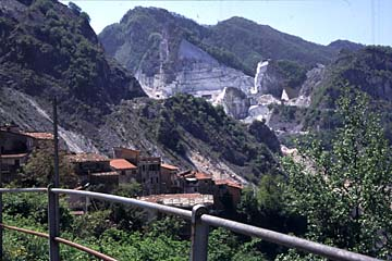 Carrara und der Marmor Bild 81 Marmorberge und Collonata