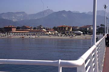 Carrara und der Marmor Bild 107 Riviera bei Marina di Massa