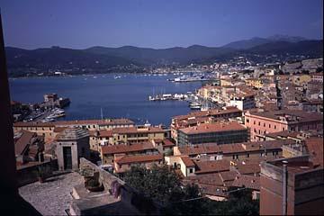 Portoferraio auf Elba Bild 378 Blick auf Portoferreiro vom Wehrgang