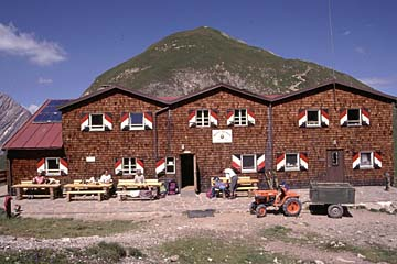 Fernwanderweg E5 - Bild 0045 Memminger Hütte in den Lechtaler Alpen