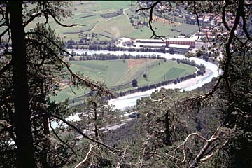 Fernwanderweg E5 - Bild 0096 Blick vom Zammer Loch, der Schlucht zum Inn, auf Inn und Landeck