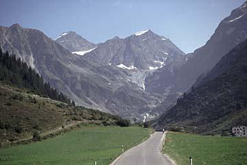 Fernwanderweg E5 - Bild 0140 Blick ins Pitztal und auf Oetztaler Gletscherberge
