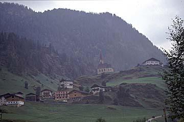 Fernwanderweg E5 - Bild 0218 vor Rabenstein an der jungen Passer