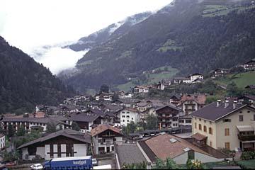 Fernwanderweg E5 - Bild 0226 Blick auf St. Leonhard im Passeiertal in Südtirol