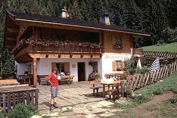Fernwanderweg E5 - Bild 0236 die gastliche Pfandleralm in den Sarntaler Alpen/Südtirol