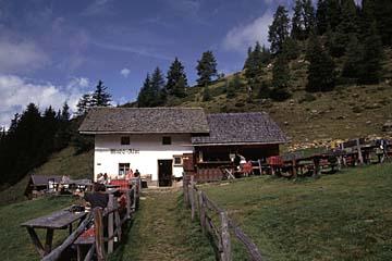 Fernwanderweg E5 - Bild 0259 Mahdalm in den Sarntaler Alpen