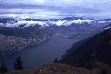 Blick vom Monte Baldo auf den nördlichen Gardasee, Norditalien
