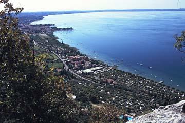 auf der Wanderung am La Rocca am Gardasee, Norditalien