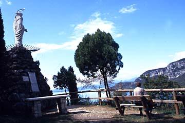 die Madona del Pign auf der Wanderung am La Rocca bei Garda, Oberitalien