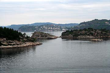 Blick auf Inseln an der norwegischen Küste