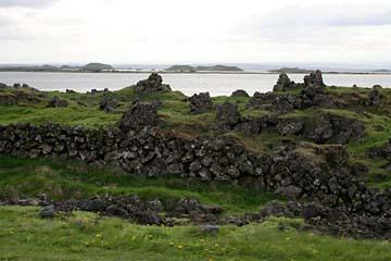 Lavaformationen im Naturschutzgebiet Myvatn im Norden von Island