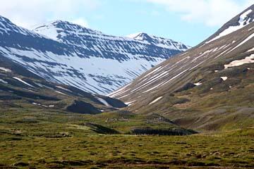 Berglandschaft bei Dalvik, Nordisland