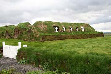 Grassodenhof Glaumbaer im Norden von Island