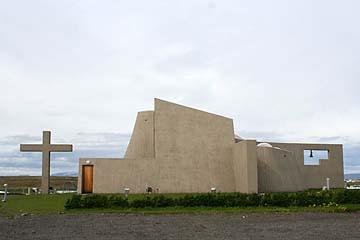 moderne Kirche in Blönduos, Island, Norden