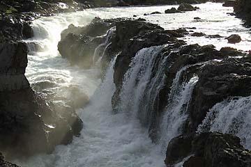 Barnafoss, Wasserfall bei Reykholt, Westisland