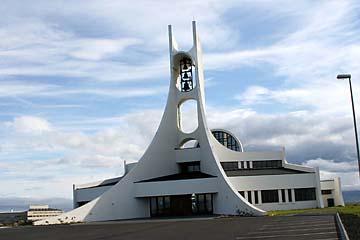 architektonisch interresante Kirche in Stykkisholmur, Island, Westen