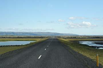 Ringstraße 1 durch die Sanderflächen im Süden von Island