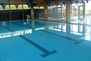 in der Schwimmhalle in Djupivogur, Ostisland