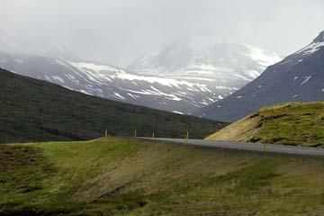 Straße Reydarfjördur nach Egilsstadir