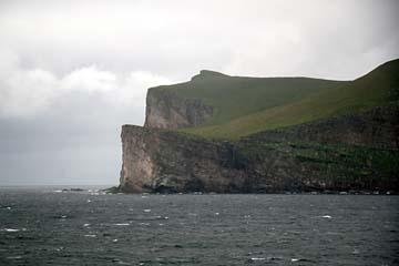 Blick von der Fähre auf die Shetlandinseln