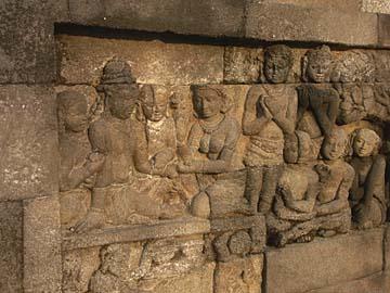 einzelnes Relif des Borobudur-Tempels in den unteren Ebenen, Java